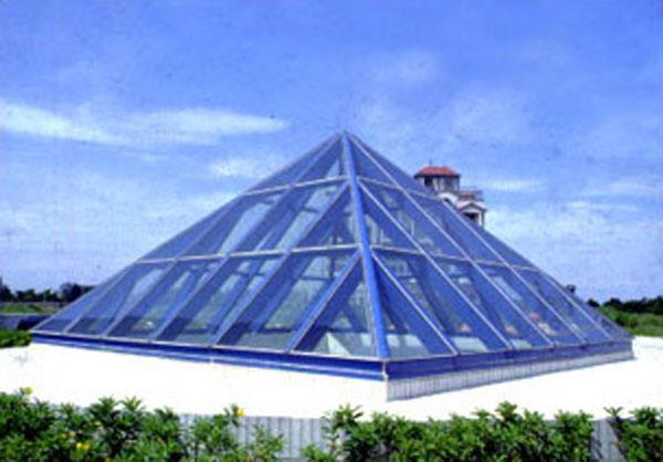金字塔钢构采光罩